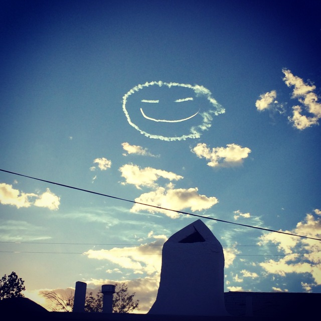 Skywriting - a happy face.